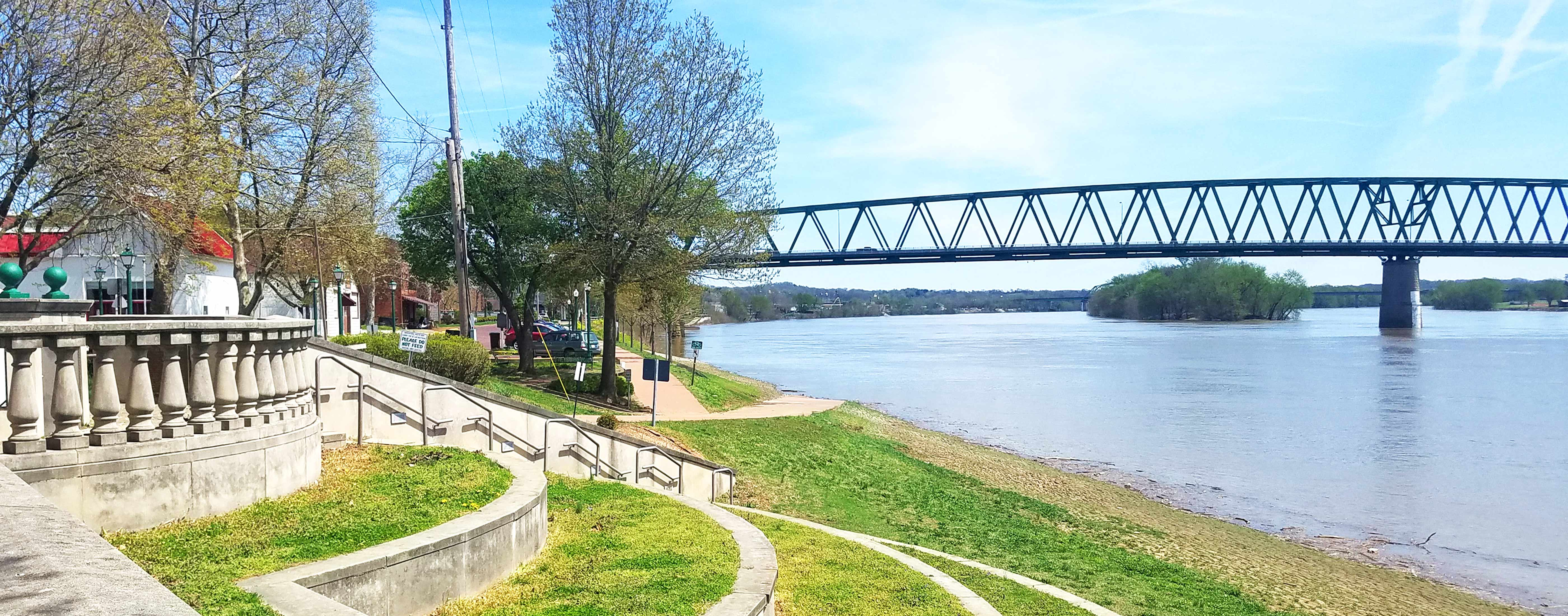 A beautiful view of the Downtown Marietta, Ohio riverfront.