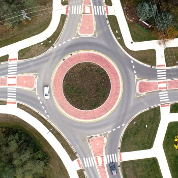 A birds eye view of the single-lane Nixon/Green/Dhu Varren Roundabout.